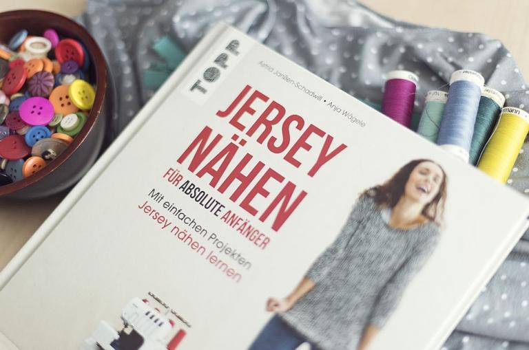 jersey-naehen-fuer-absolute-anfaenger-zebrahoernchen-amw-photography-naehbuch