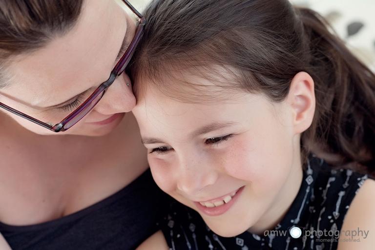 Mutter Tochter kinderfotografie familienfotograf frankfurt schwangerenfotografie Taunus