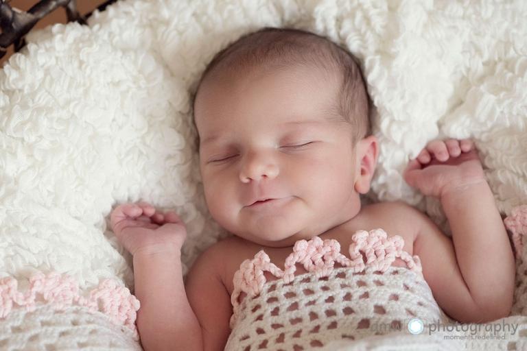neugeborenenfotografie hanau frankfurt hebamme finden babybilder babyfotografin nidderau