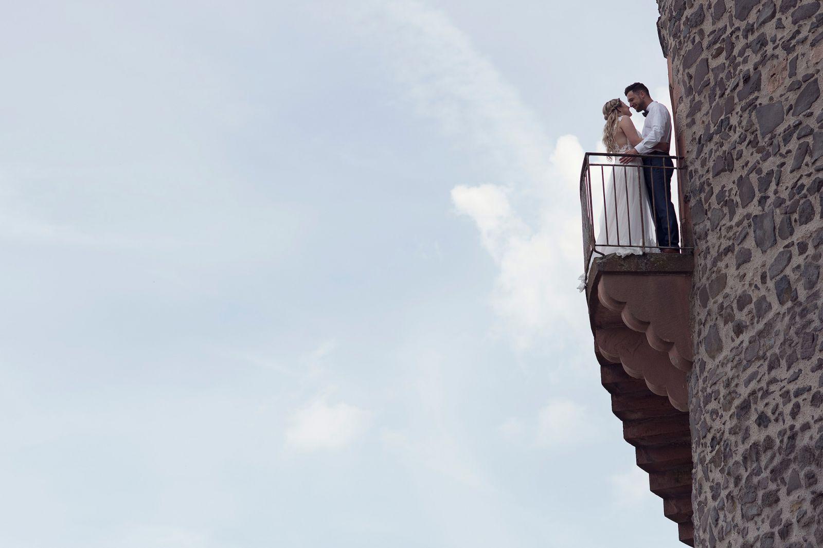 hochzeitsfotograf hochzeit bilder heiraten in frankfurt ortenberg standesamt burghalle lissberg