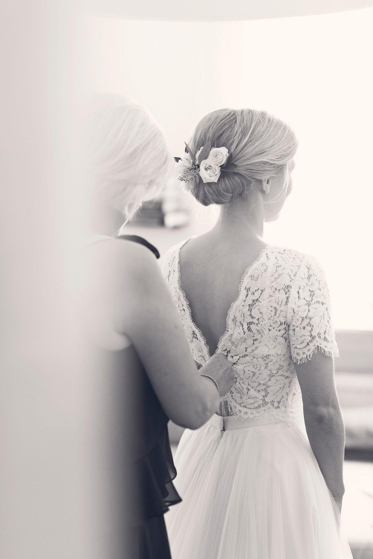 getting ready braut styling heiraten in frankfurt freie trauung taunus hochzeitsfotografin hochzeitsreportage