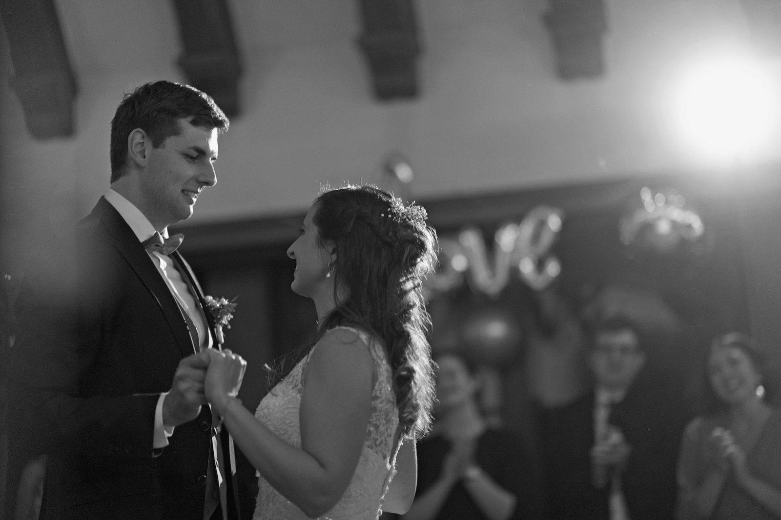 hochzeitstanz schloss kransberg heiraten in frankfurt freie trauung taunus hochzeitsfotografin hochzeitsreportage
