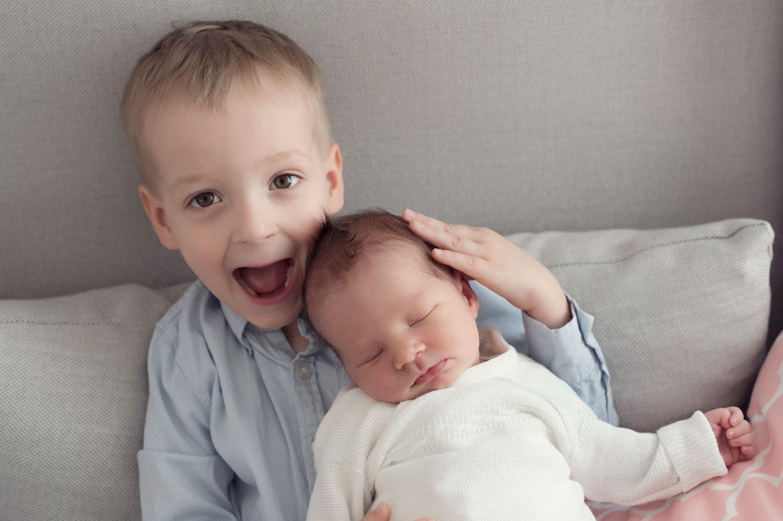 neugeborenenfotografin babybilder babyfotograf frankfurt hanau nidderau bilder vom baby das erste fotoshooting als familien familienbilder in bad vilbel