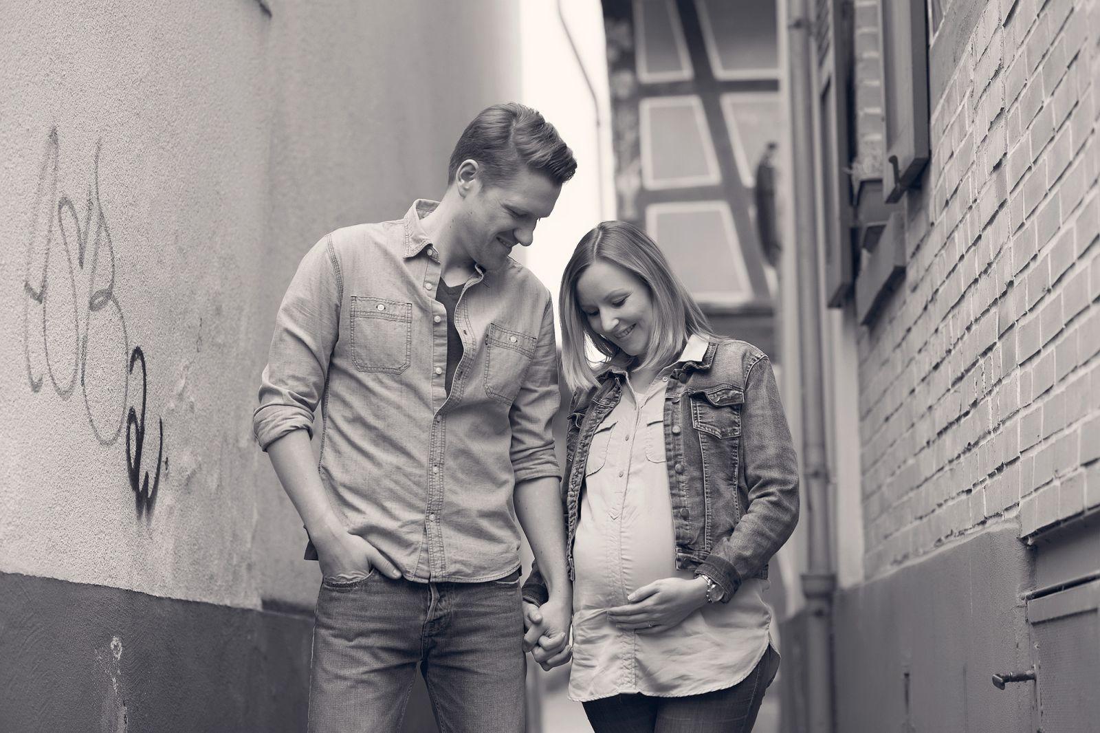 babybauch schwanger in farnkfurt fotografin schwangerenfotografie