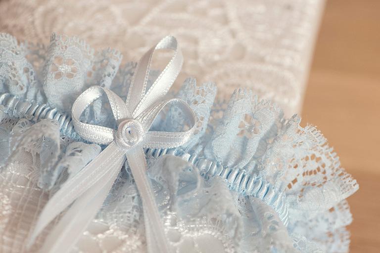 strumpfband der braut hochzeit frankfurt gelnhausen hochzeitsfotograf nidderau praktische tipps rund ums heiraten