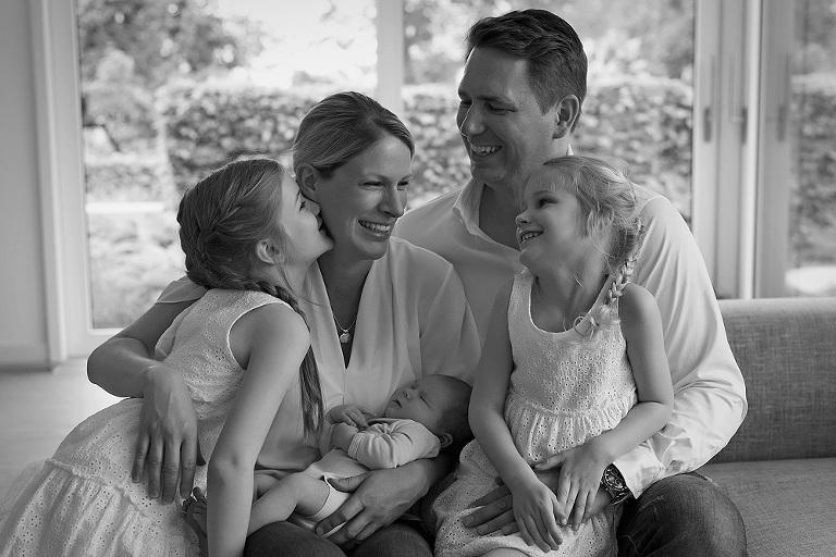 familie mit baby babybilder babyfotograf kinderfotograf frankfurt nidderau bruchköbel fotografin neuberg