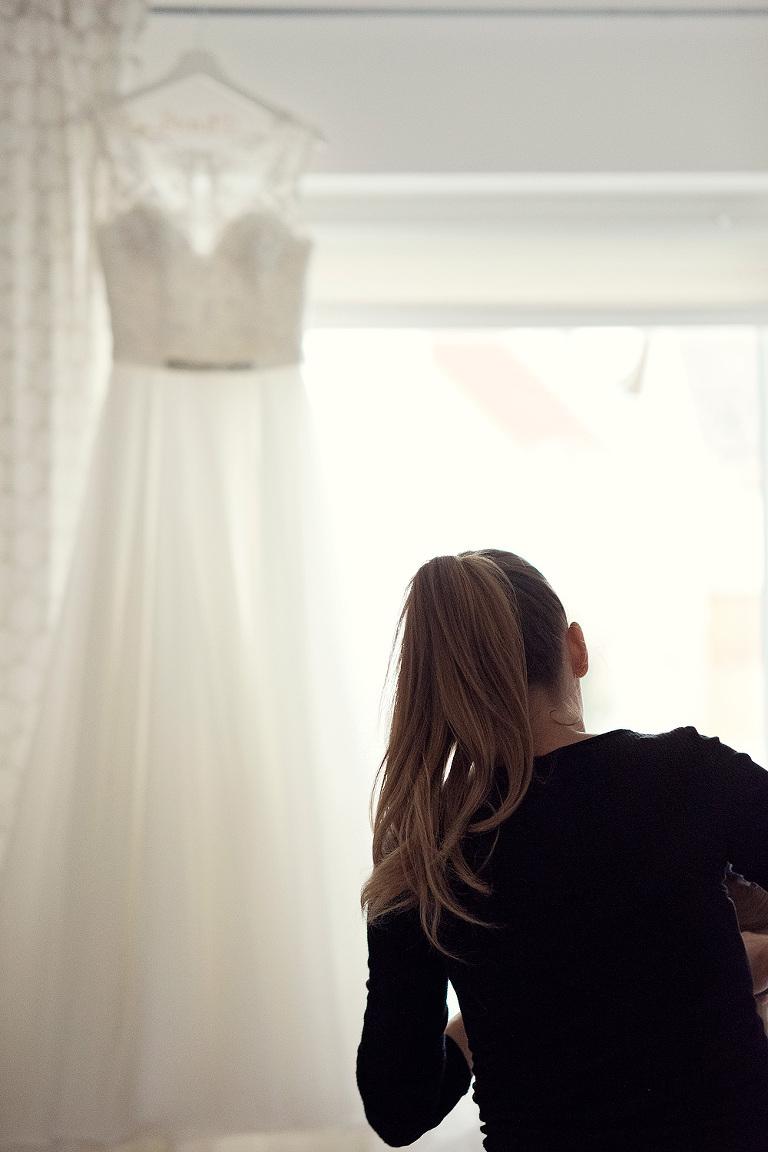 heiraten in frankfurt hochzeitslocation glashaus karben freie trauung standesamt brautpaar styling getting ready rachel laubscher